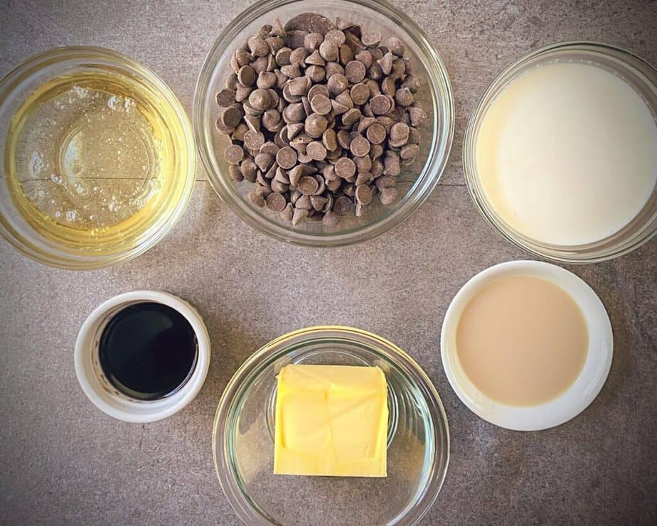 corn syrup, chocolate chips, cream, irish cream, coffee rum and butter for fudge mis en place