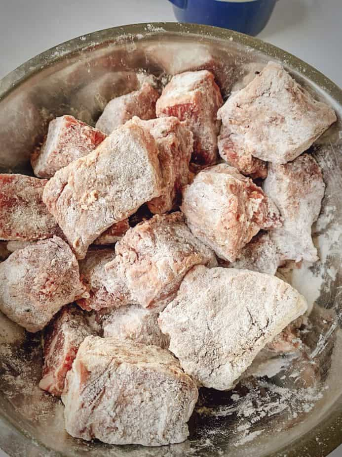 short ribs chunks that have been tossed in flour mixture